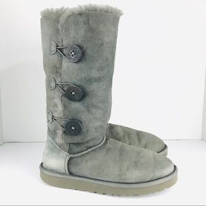 UGG Size 7 Gray Bailey Three Button Boots